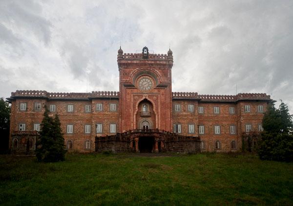 Castello Di Sammezzano Tour