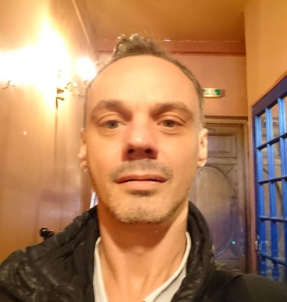 rencontre gay paris 11 à Rennes