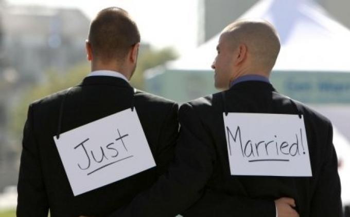 la loi sur le mariage pour tous valid e par le conseil constitutionnel seronet. Black Bedroom Furniture Sets. Home Design Ideas