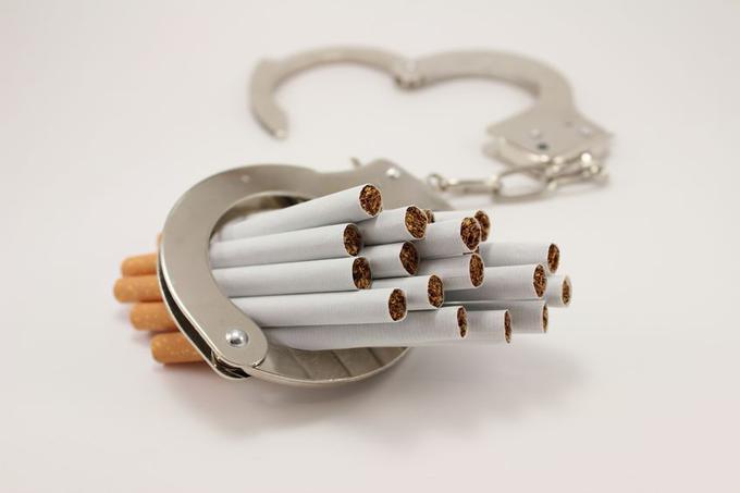 tabac et vih descendre au bon arr t seronet. Black Bedroom Furniture Sets. Home Design Ideas